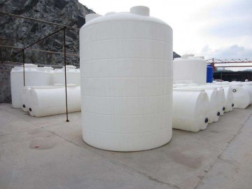 厂家长期供应5吨塑料水箱 防腐防晒pe水塔