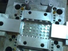 深圳塑胶模具加工服务