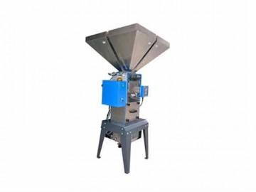供应多种原料、色母料称重混合拌料机