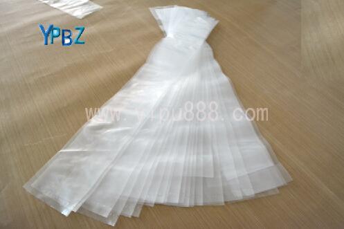 是一种透明塑料袋,可用于服装