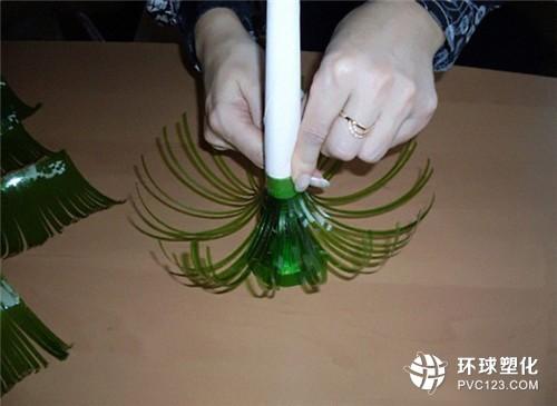 以上就是塑料瓶手工制作的方法了