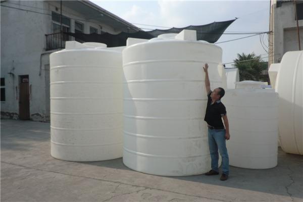 山西 二吨PE储罐 最新优惠报价 一次成型 无焊接 紧固耐用