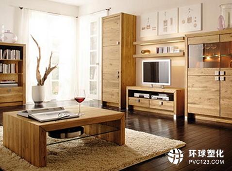 橡胶木家具就是用橡木的主干为原料制作而成的