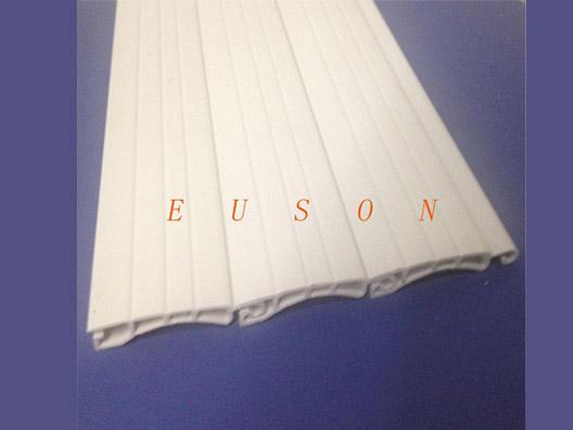 供应优质塑料卷帘门条