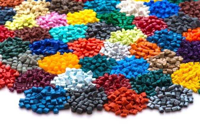 塑料制品加工发展简史 最早始于19世纪90年代