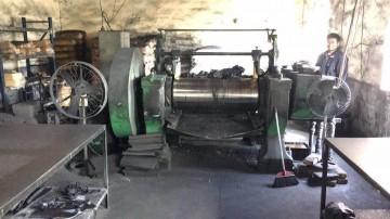 南通回收压胶机回收鼓式硫化机.收购13833651584