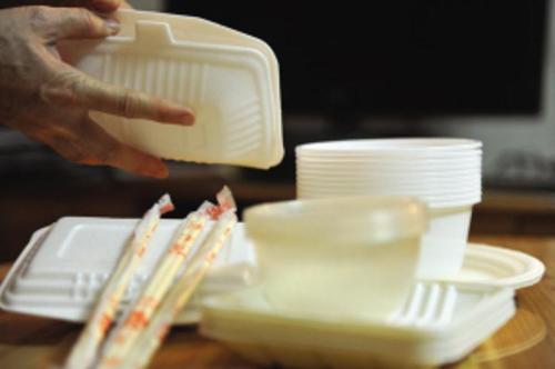 如何远离塑化剂?少喝浓稠饮料多用瓷质餐具