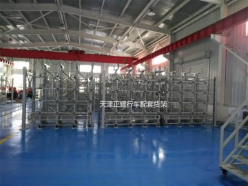 行车存放堆放在地面上的管材使用手摇式美高梅手机版登录4858配合行车使用的货
